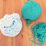 なぜ母親は、子どもに手作りニット帽を作るのか。